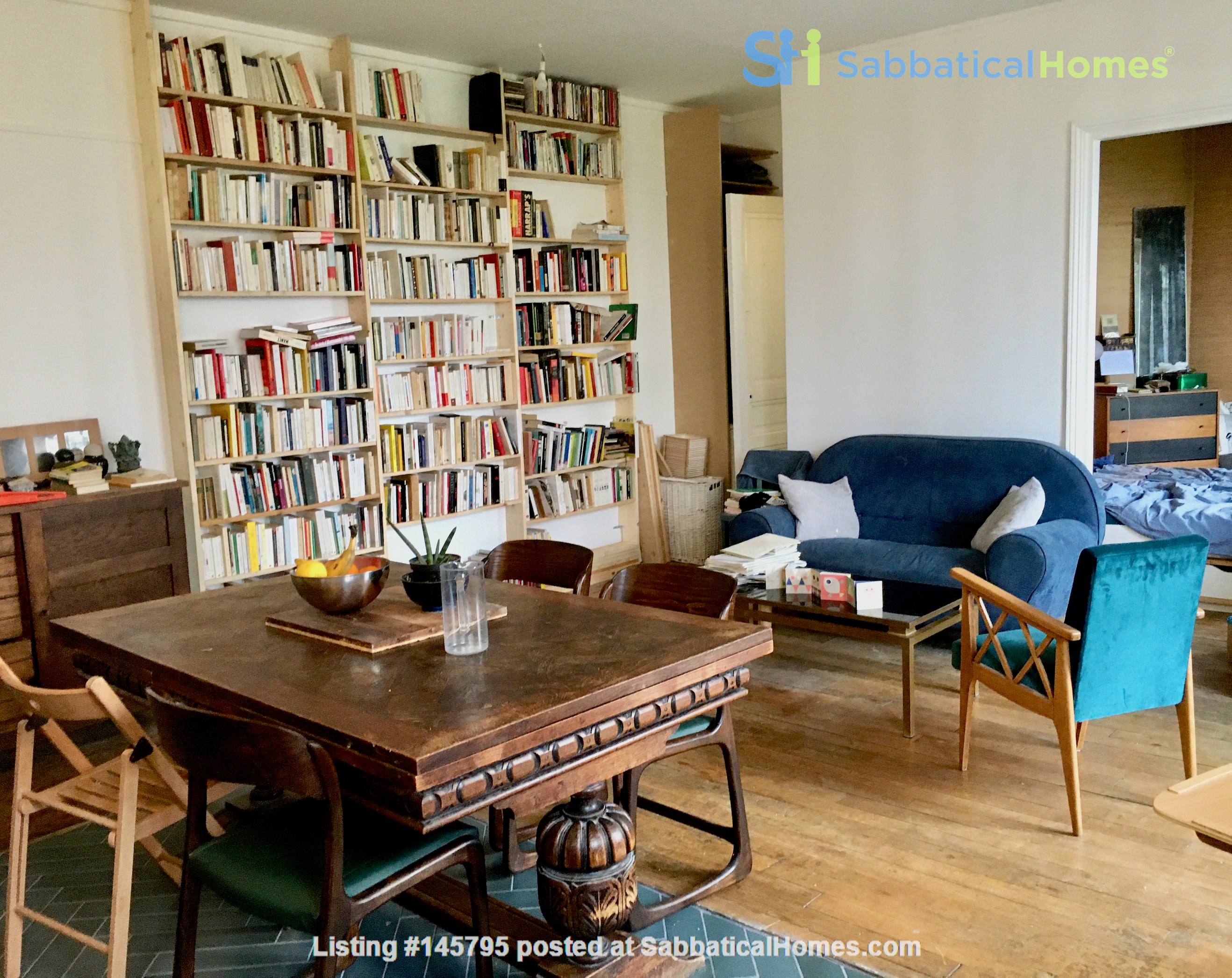 Large, light and airy apartment in Paris, Place des Fêtes Home Rental in Paris 0