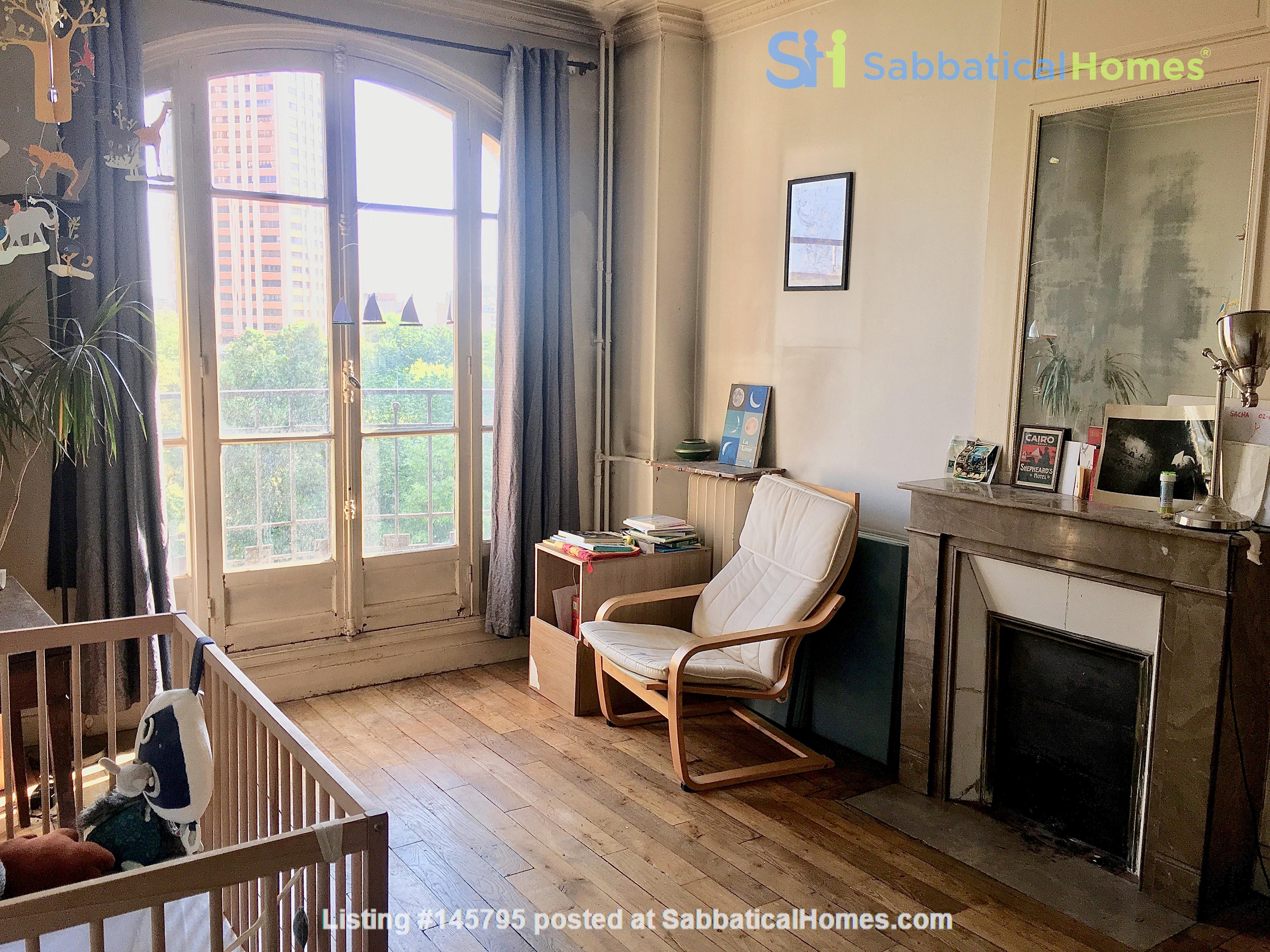 Large, light and airy apartment in Paris, Place des Fêtes Home Rental in Paris 2