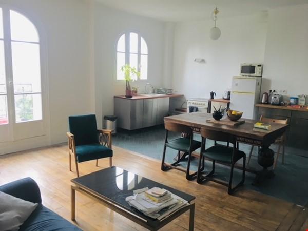Large, light and airy apartment in Paris, Place des Fêtes Home Rental in Paris 1 - thumbnail