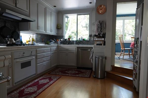 Looking for 2-3 bedroom in New York City Home Exchange in Berkeley 4 - thumbnail