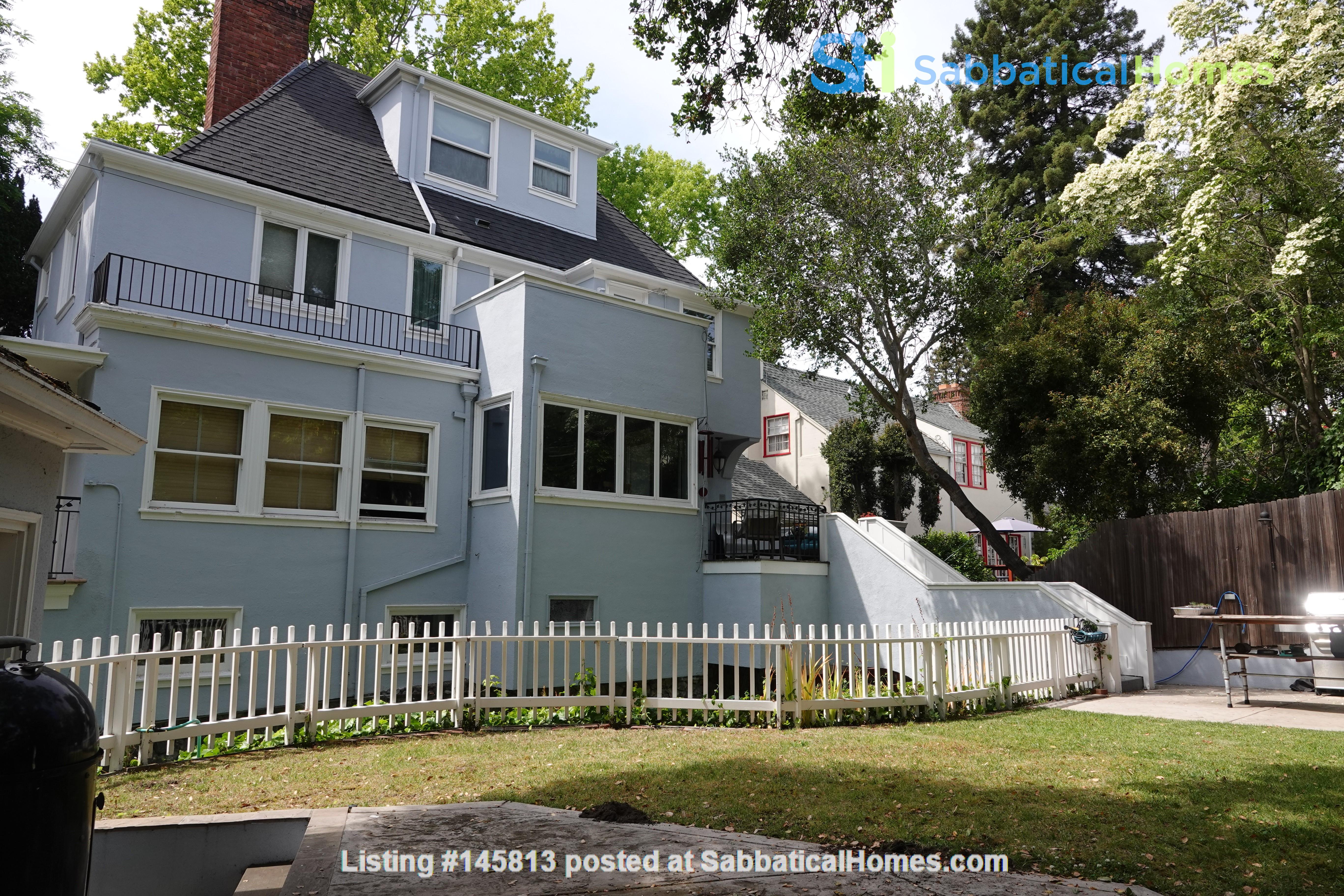Looking for 2-3 bedroom in New York City Home Exchange in Berkeley 1