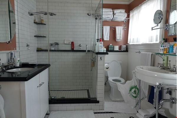 Looking for 2-3 bedroom in New York City Home Exchange in Berkeley 8 - thumbnail
