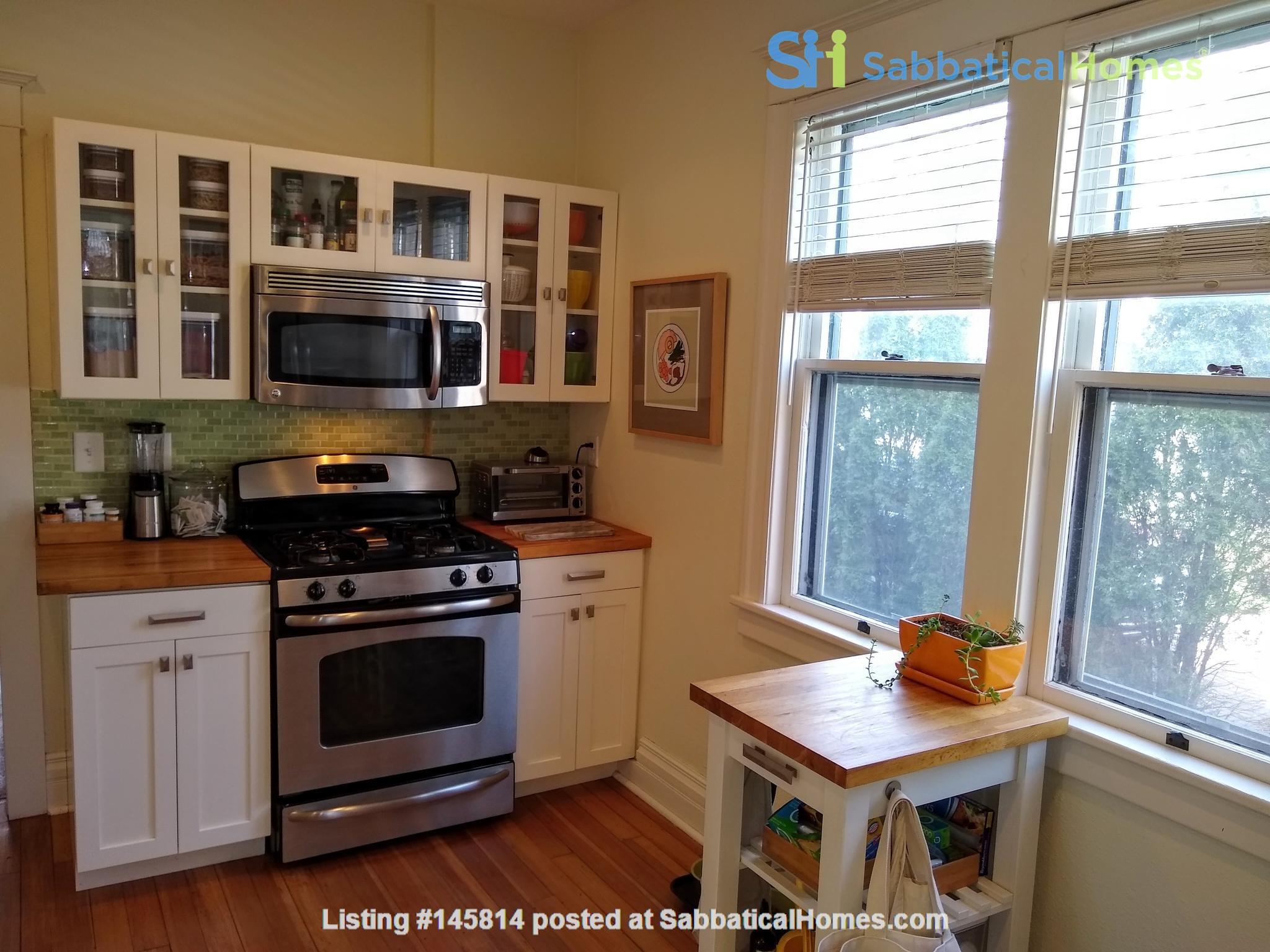 Classic & Stylish Prairie Square Home Rental in Iowa City 3