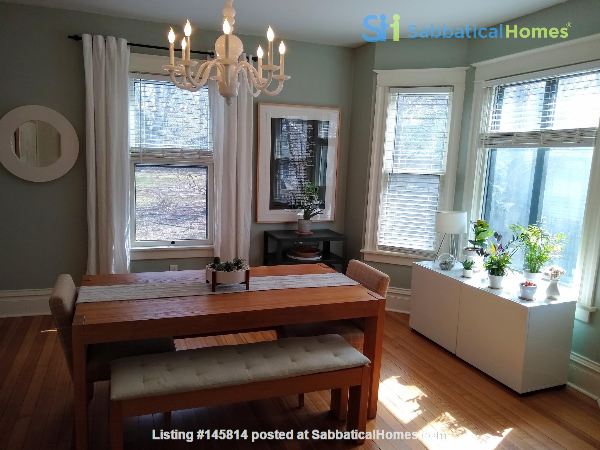 Classic & Stylish Prairie Square Home Rental in Iowa City 2