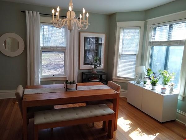 Classic & Stylish Prairie Square Home Rental in Iowa City 2 - thumbnail