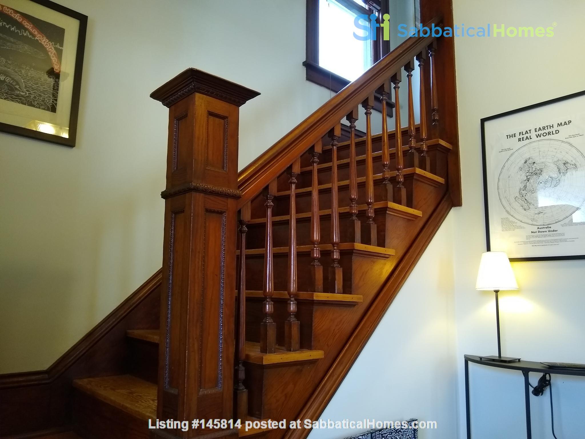 Classic & Stylish Prairie Square Home Rental in Iowa City 4
