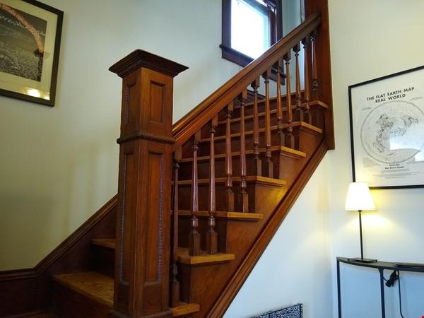 Classic & Stylish Prairie Square Home Rental in Iowa City 4 - thumbnail