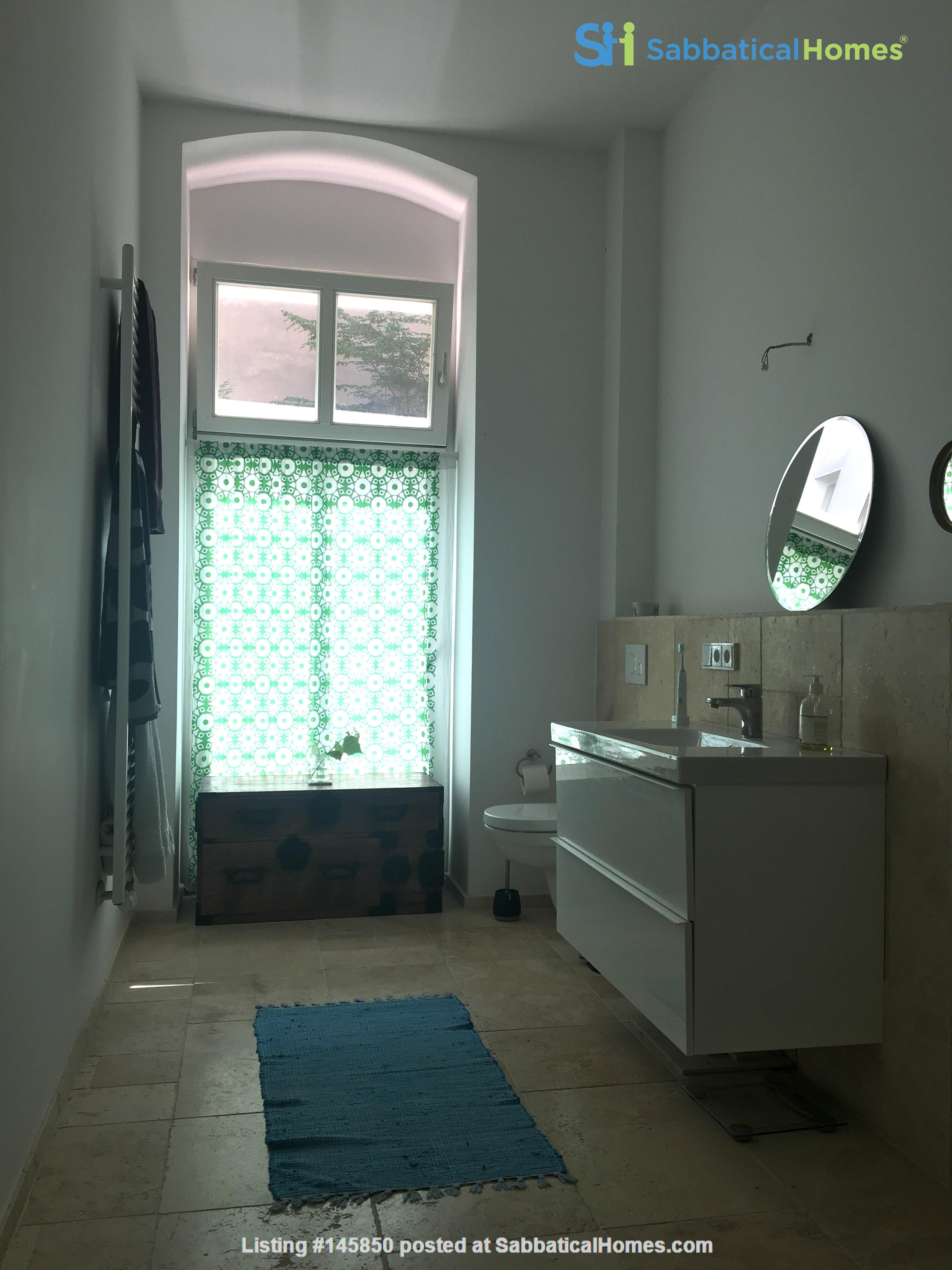 Freshly renovated, quiet, ground-floor apt w/terrace & beautiful details Home Rental in Berlin 7