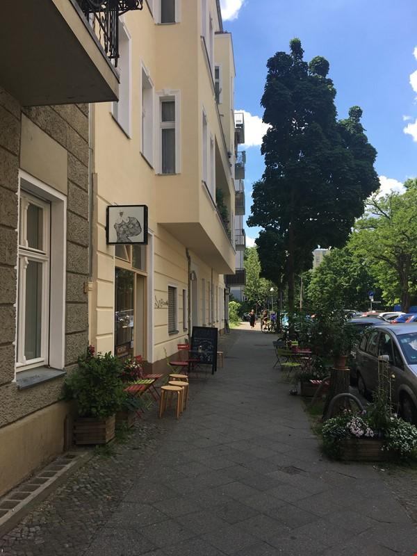 Freshly renovated, quiet, ground-floor apt w/terrace & beautiful details Home Rental in Berlin 9 - thumbnail
