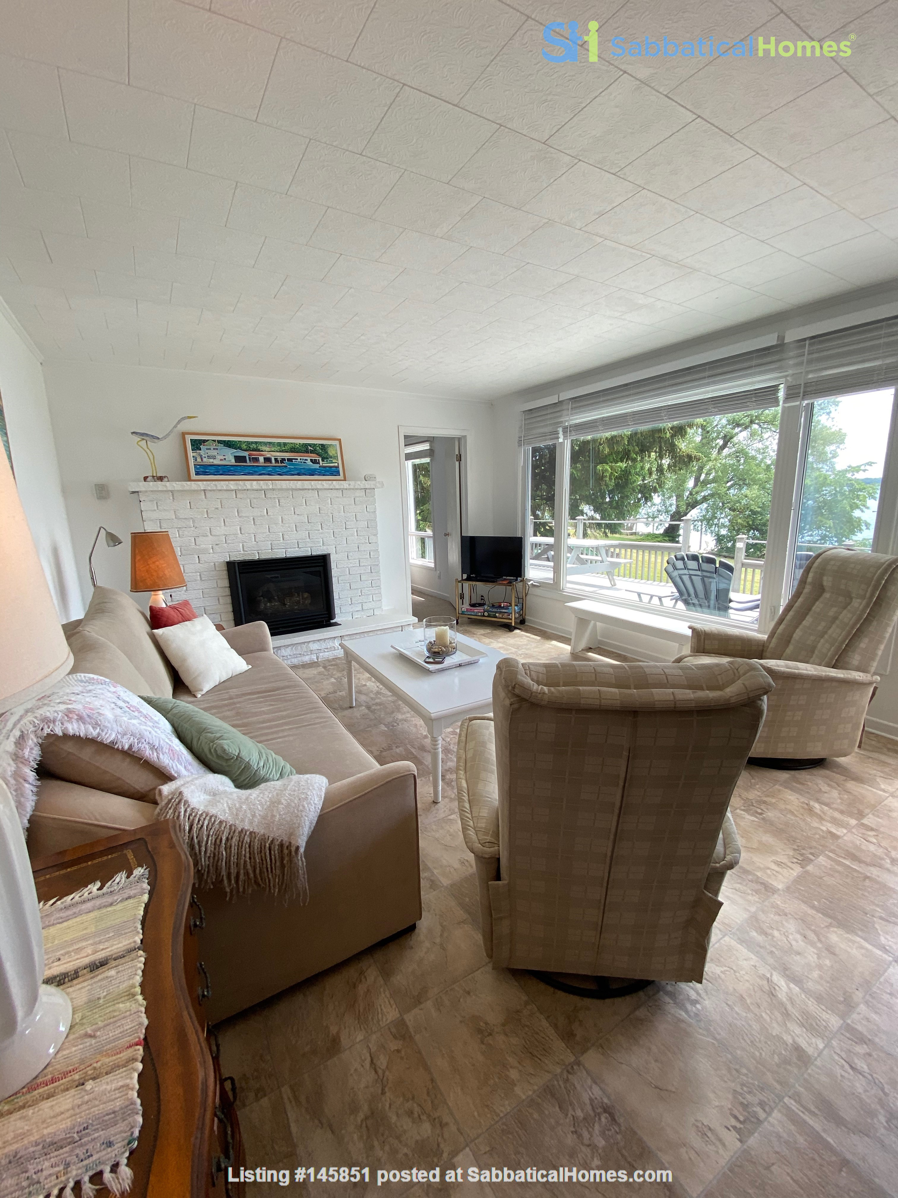 Natural Island Sanctuary close to Queen's/RMC Home Rental in  9