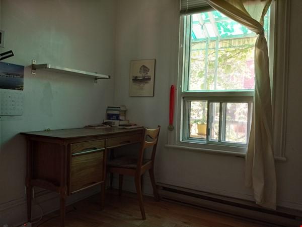 Bright top floor of duplex in a quiet neighborhood. Home Rental in Montréal 2 - thumbnail