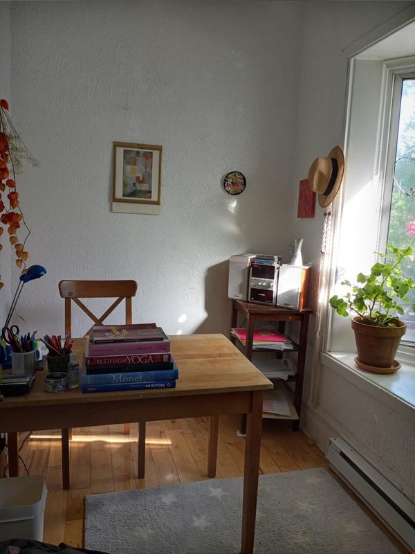 Bright top floor of duplex in a quiet neighborhood. Home Rental in Montréal 1 - thumbnail