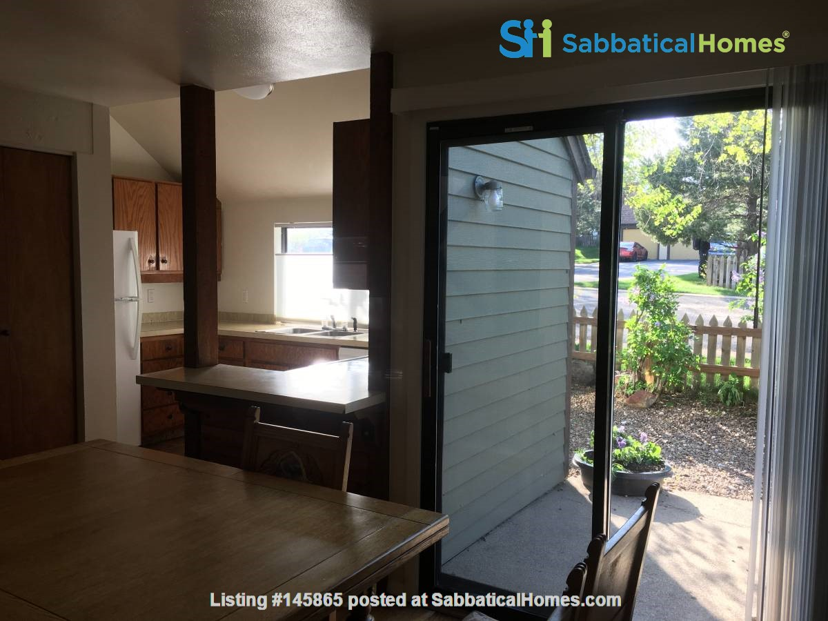 S. Boulder townhouse on open space 3 BR, 2 baths, garage, campus setting Home Rental in Boulder 2
