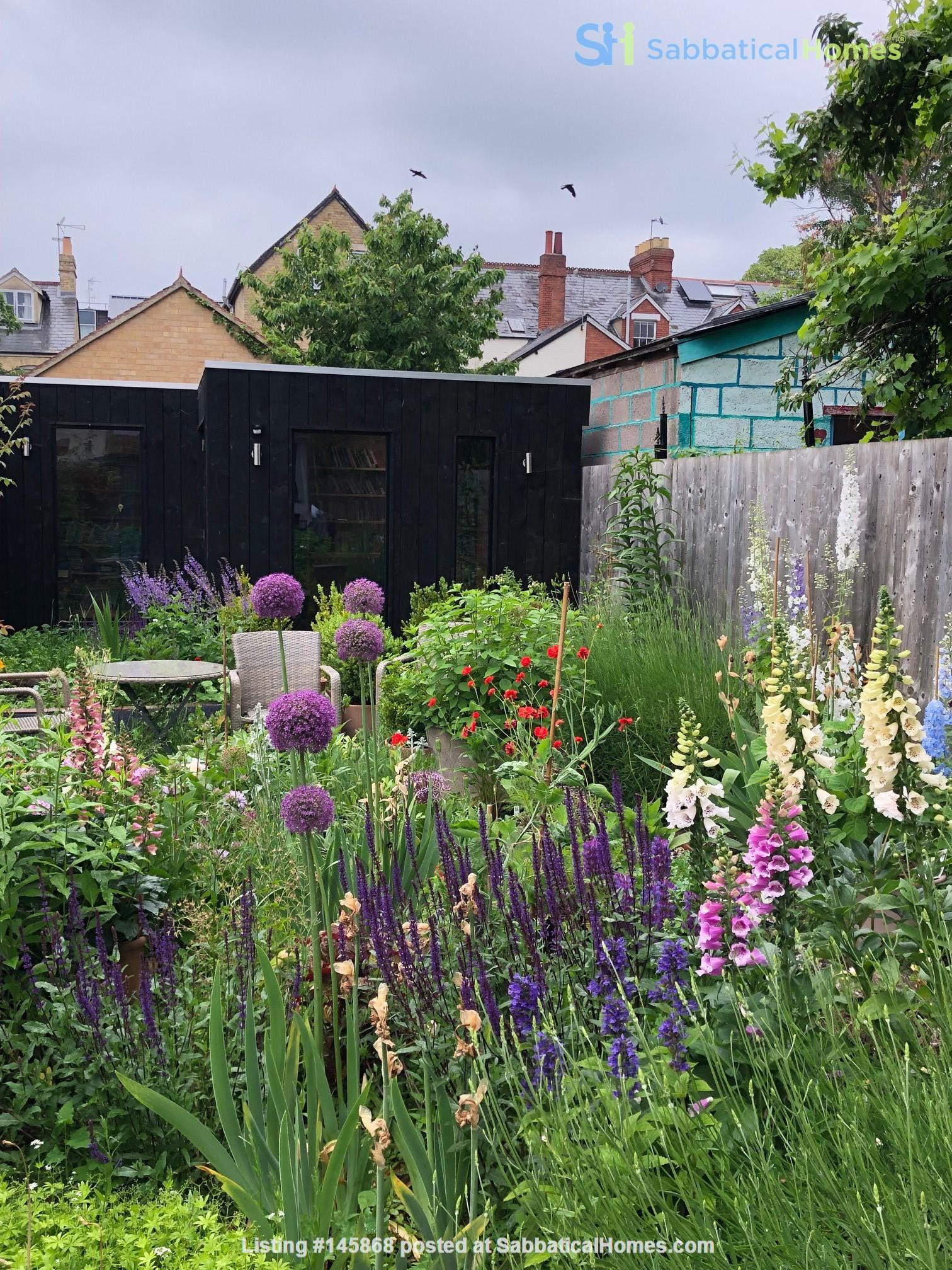 Mid-terrace comfort in a great Oxford neighbourhood Home Rental in  9
