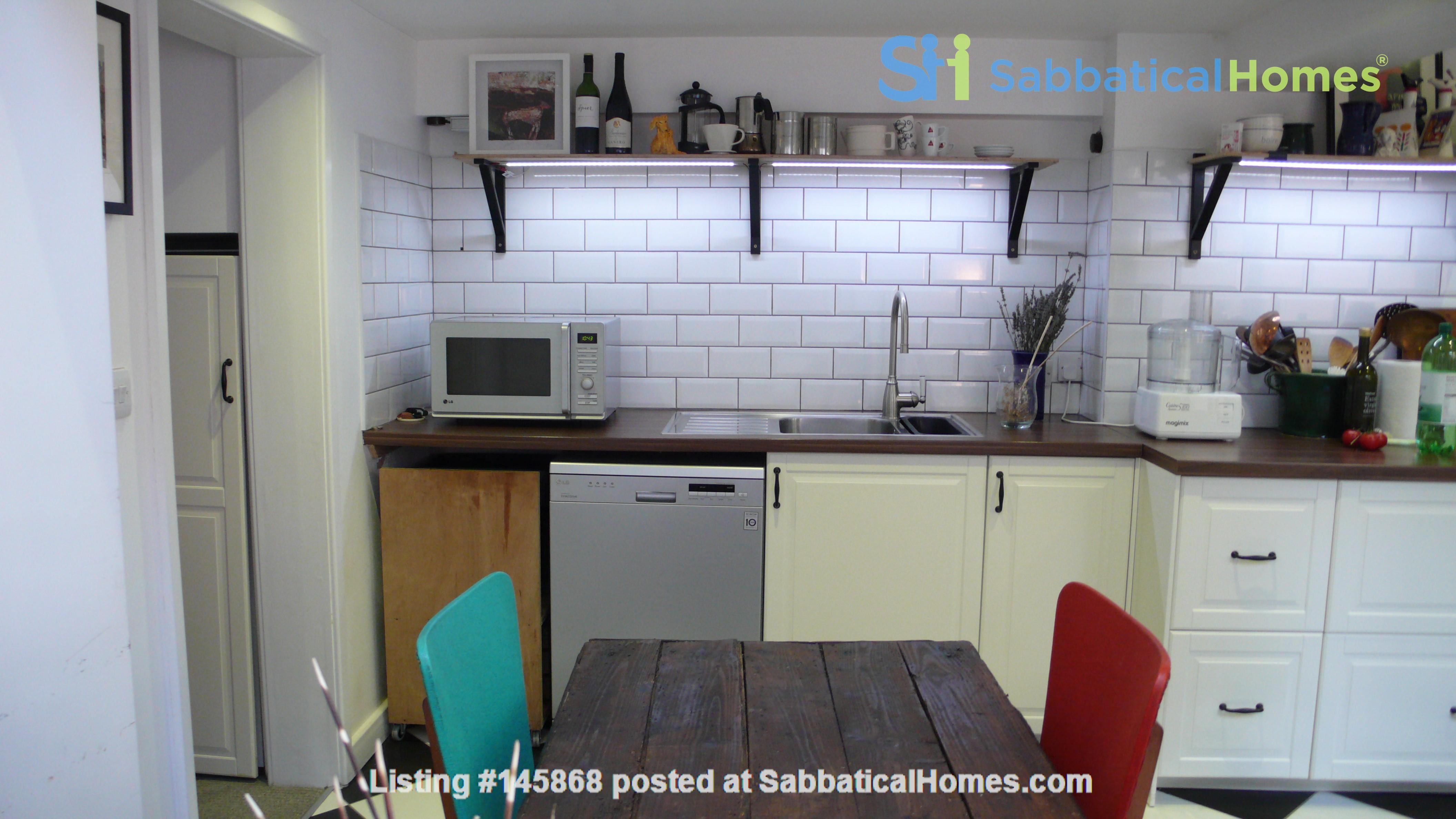 Mid-terrace comfort in a great Oxford neighbourhood Home Rental in  6