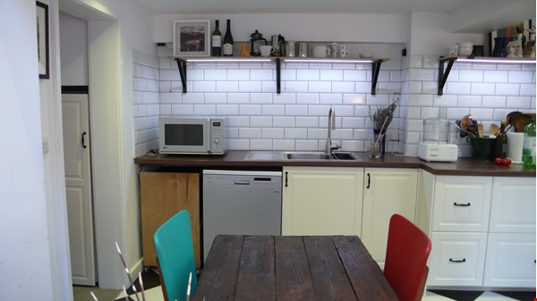 Mid-terrace comfort in a great Oxford neighbourhood Home Rental in  6 - thumbnail