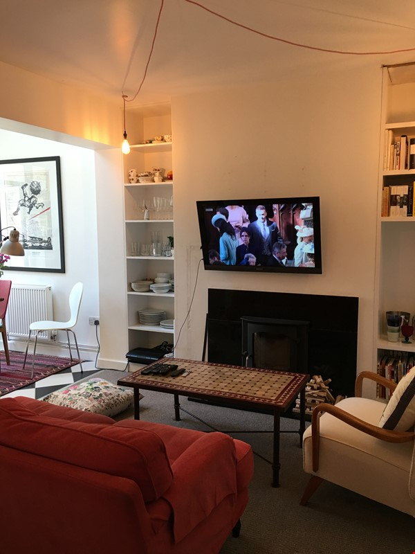 Mid-terrace comfort in a great Oxford neighbourhood Home Rental in  0 - thumbnail