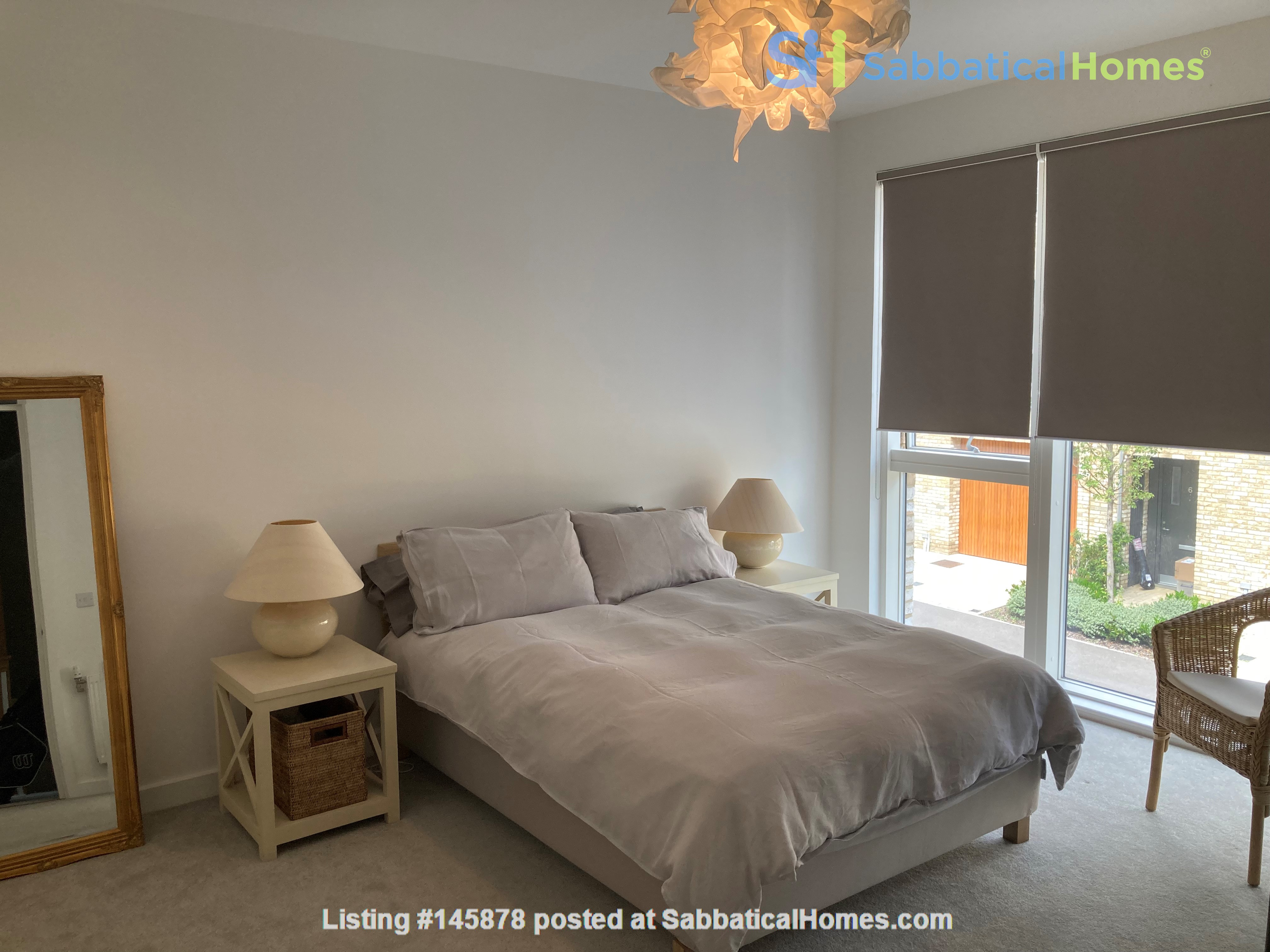 Beautifully furnished 3 bedroom + 4 bathroom townhouse in Cambridge. Home Rental in  6