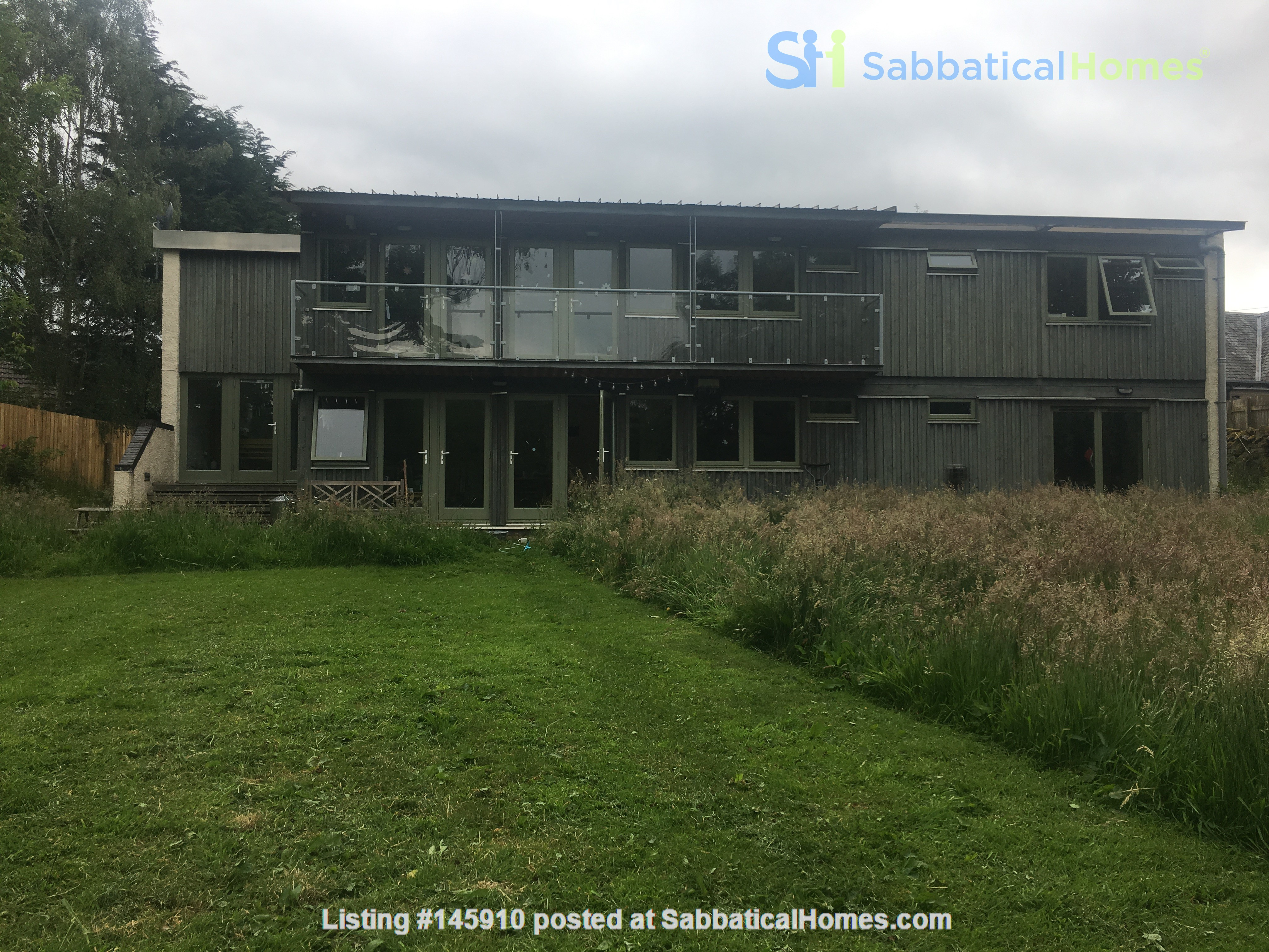 Bright and spacious house in Scottish Highlands with a large garden Home Rental in  1
