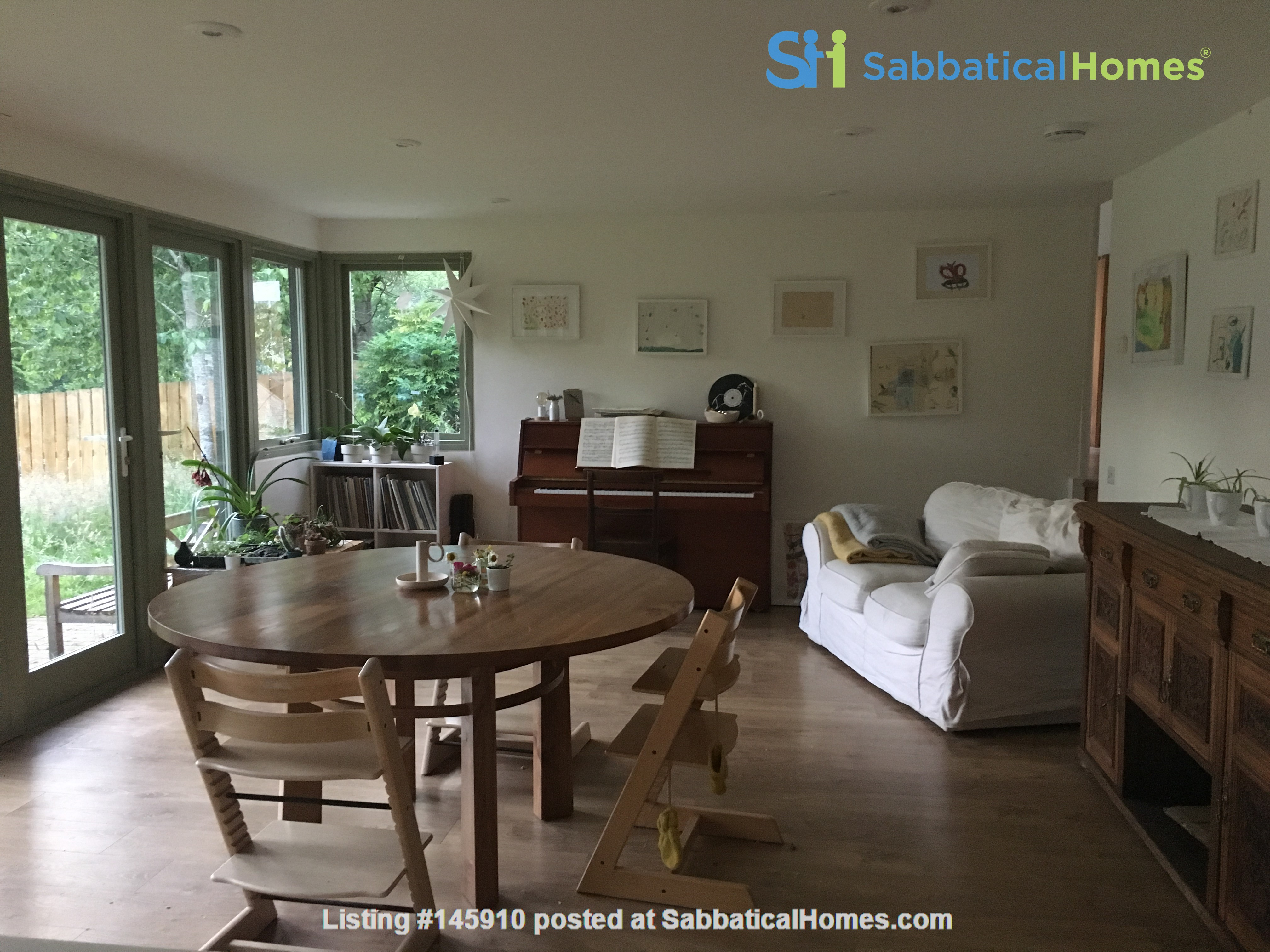 Bright and spacious house in Scottish Highlands with a large garden Home Rental in  7