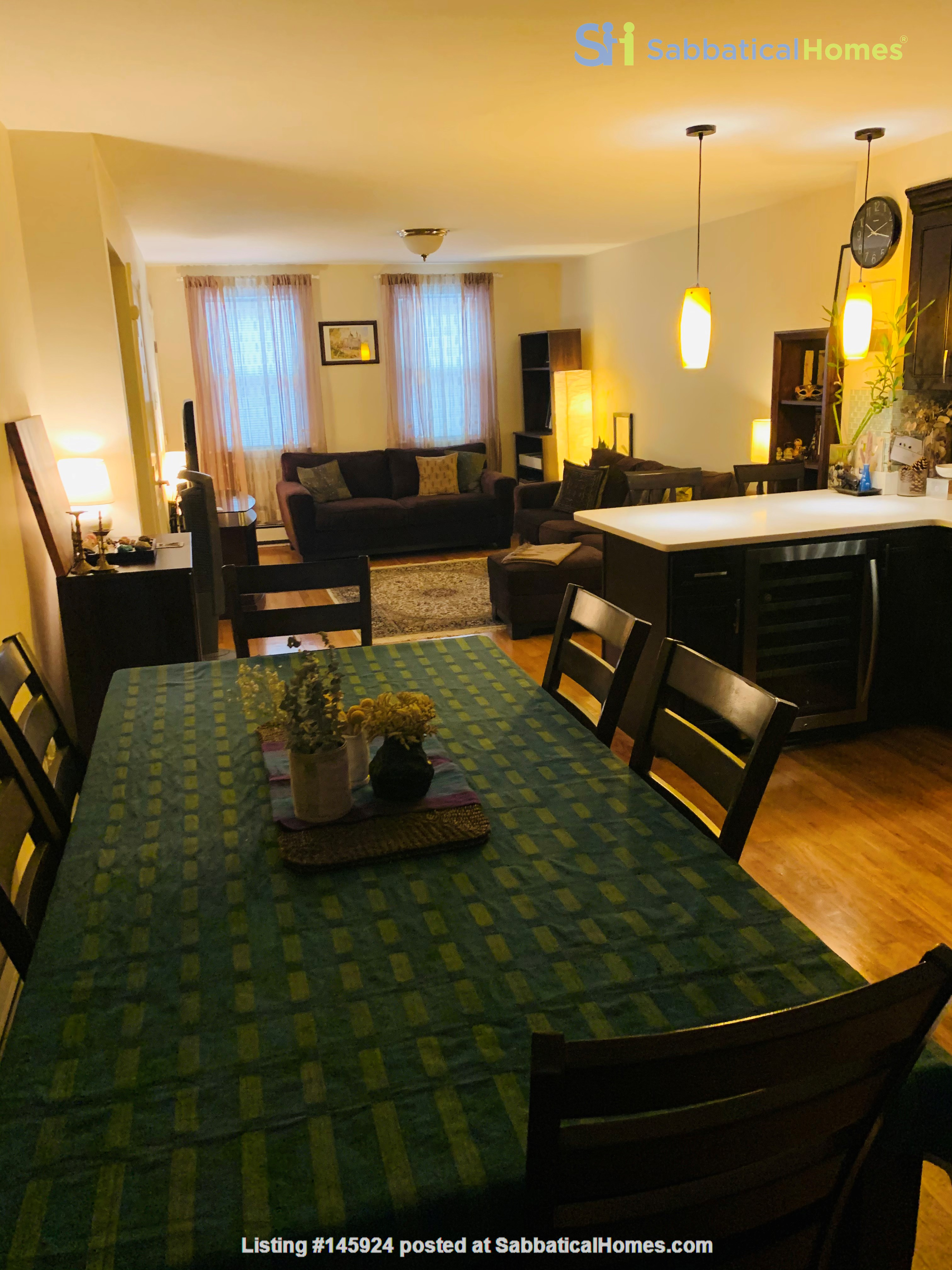Modern, sunny, 2 bed 1 bath 1st floor unit with W+D, den & backyard garden Home Rental in Cambridge 2
