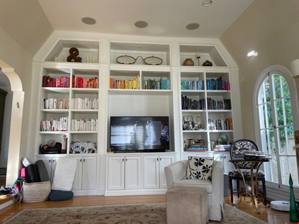 Storybook Charm walking distance to UCLA Home Rental in Los Angeles 1 - thumbnail