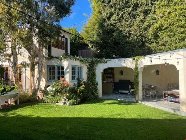 Storybook Charm walking distance to UCLA Home Rental in Los Angeles 4 - thumbnail