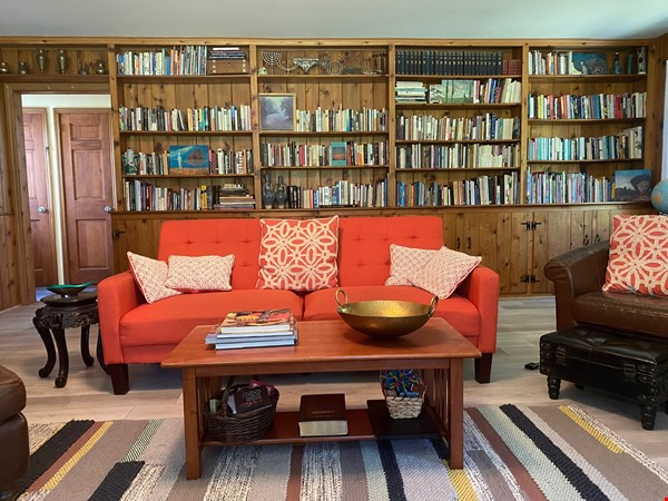 NY Hudson Valley Rural Beauty: light-filled artist's home, pristine views Home Rental in Rhinebeck 1 - thumbnail