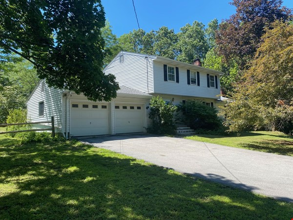 NY Hudson Valley Rural Beauty: light-filled artist's home, pristine views Home Rental in Rhinebeck 0 - thumbnail