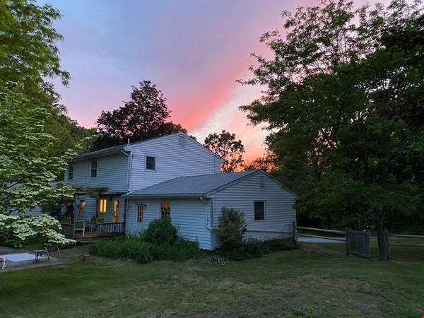 NY Hudson Valley Rural Beauty: light-filled artist's home, pristine views Home Rental in Rhinebeck 9 - thumbnail