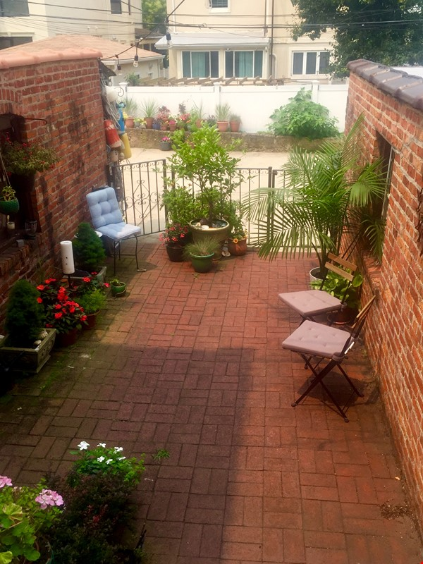 Brooklyn Jewel Box 3br/2bth House, Walking Distance to Park/Sunset Pier! Home Exchange in  7 - thumbnail