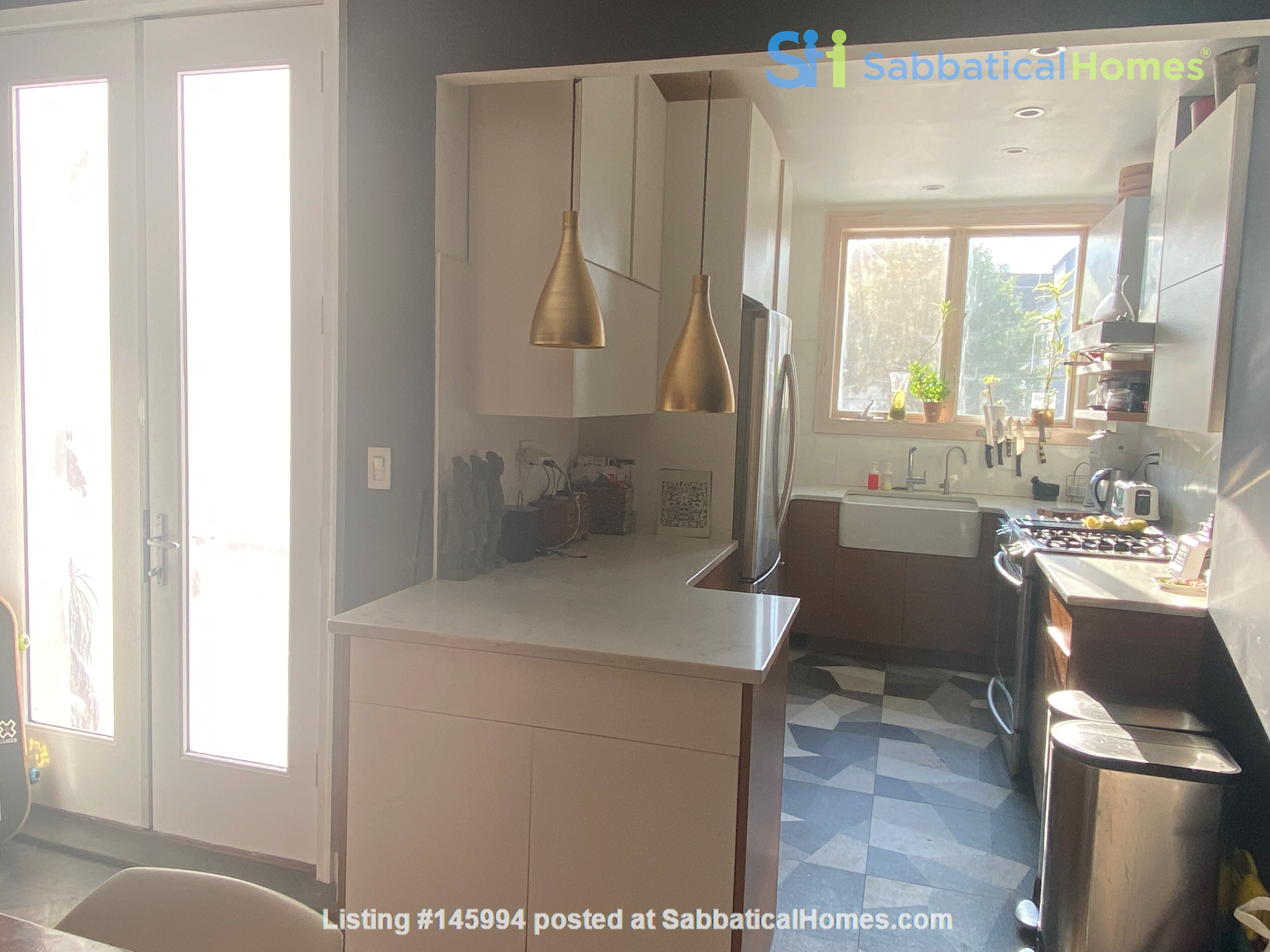 Brooklyn Jewel Box 3br/2bth House, Walking Distance to Park/Sunset Pier! Home Exchange in  3