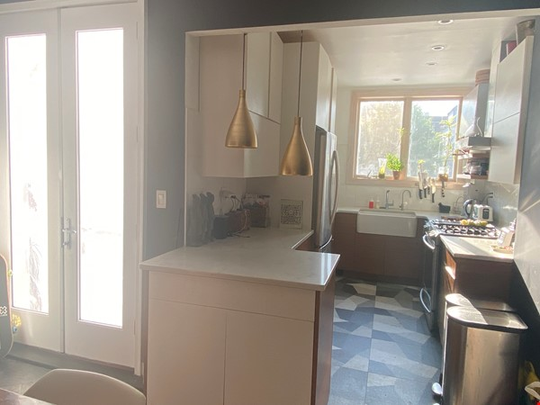Brooklyn Jewel Box 3br/2bth House, Walking Distance to Park/Sunset Pier! Home Exchange in  3 - thumbnail