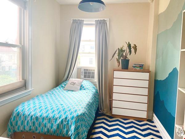 Brooklyn Jewel Box 3br/2bth House, Walking Distance to Park/Sunset Pier! Home Exchange in  5 - thumbnail