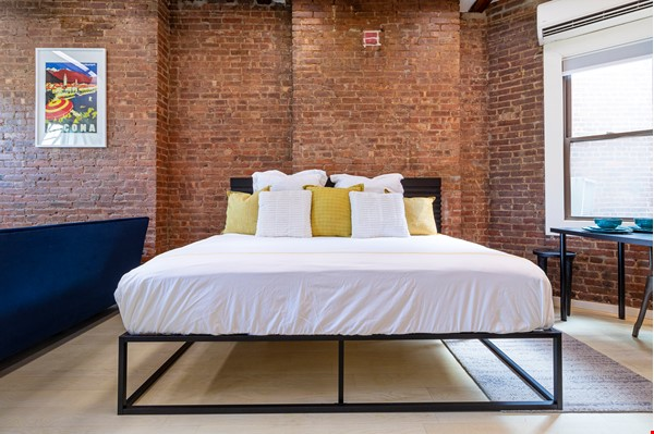 Newly renovated West Village unit in historic building with rooftop Home Rental in New York 4 - thumbnail