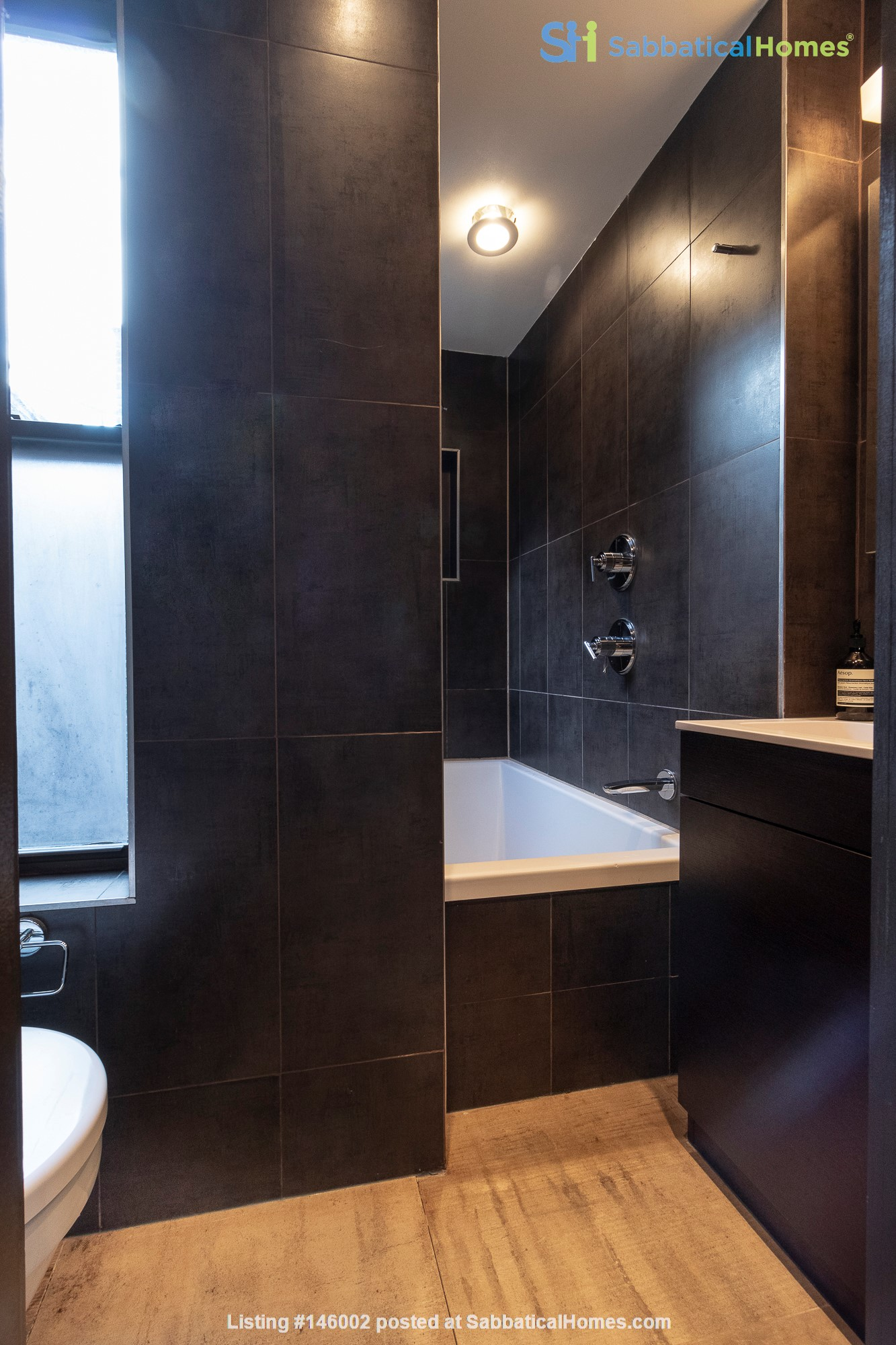 Newly renovated West Village unit in historic building with rooftop Home Rental in New York 6
