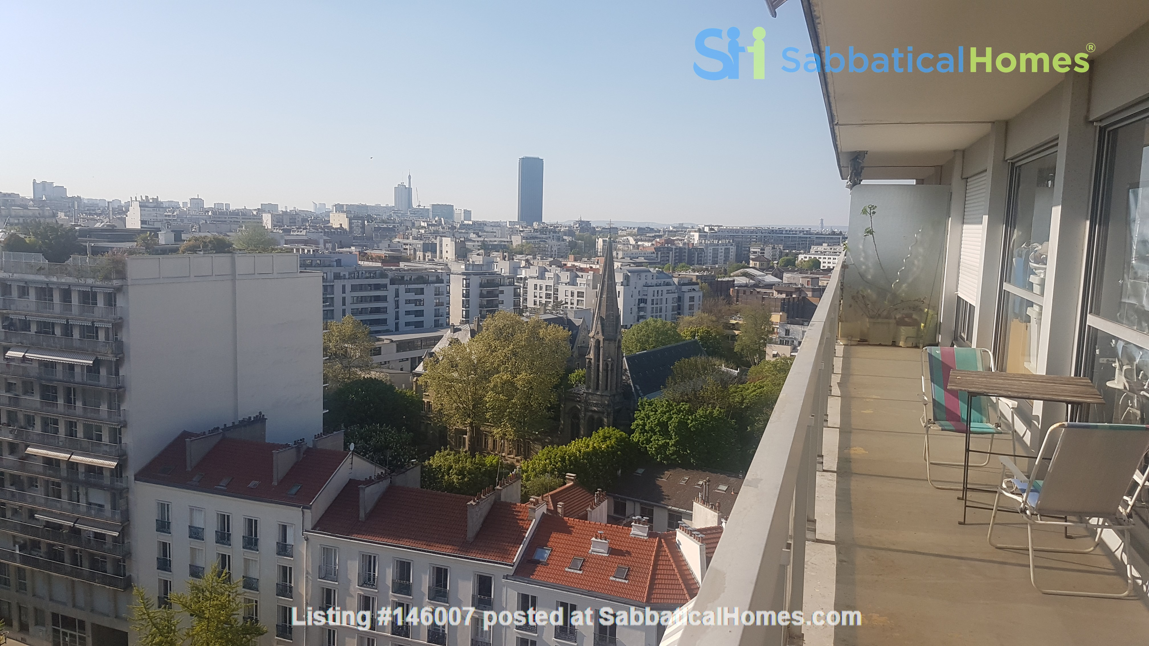 2 BR apartement with a stunning view over Paris Home Exchange in Paris 2