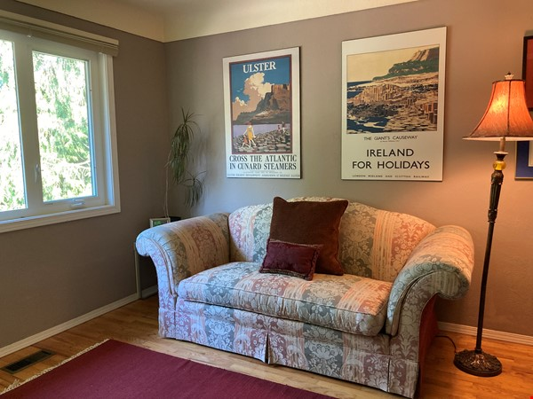 Sunny character home with large deck and yard, near to UVic and beaches Home Rental in Victoria 8 - thumbnail
