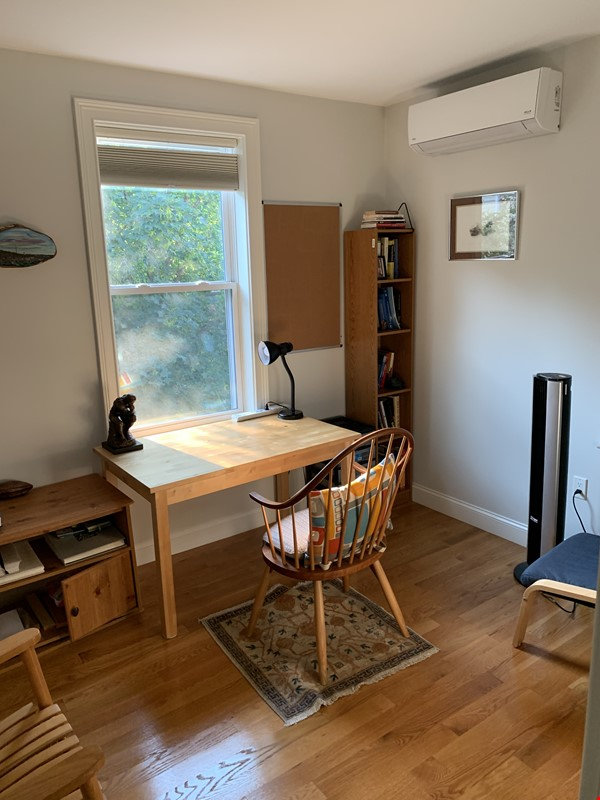 Lovely furnished 2-bedroom with private yard between Harvard and MIT Home Rental in Cambridge 5 - thumbnail