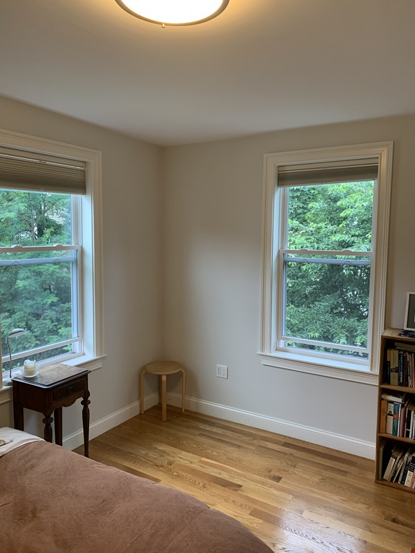 Lovely furnished 2-bedroom with private yard between Harvard and MIT Home Rental in Cambridge 4 - thumbnail