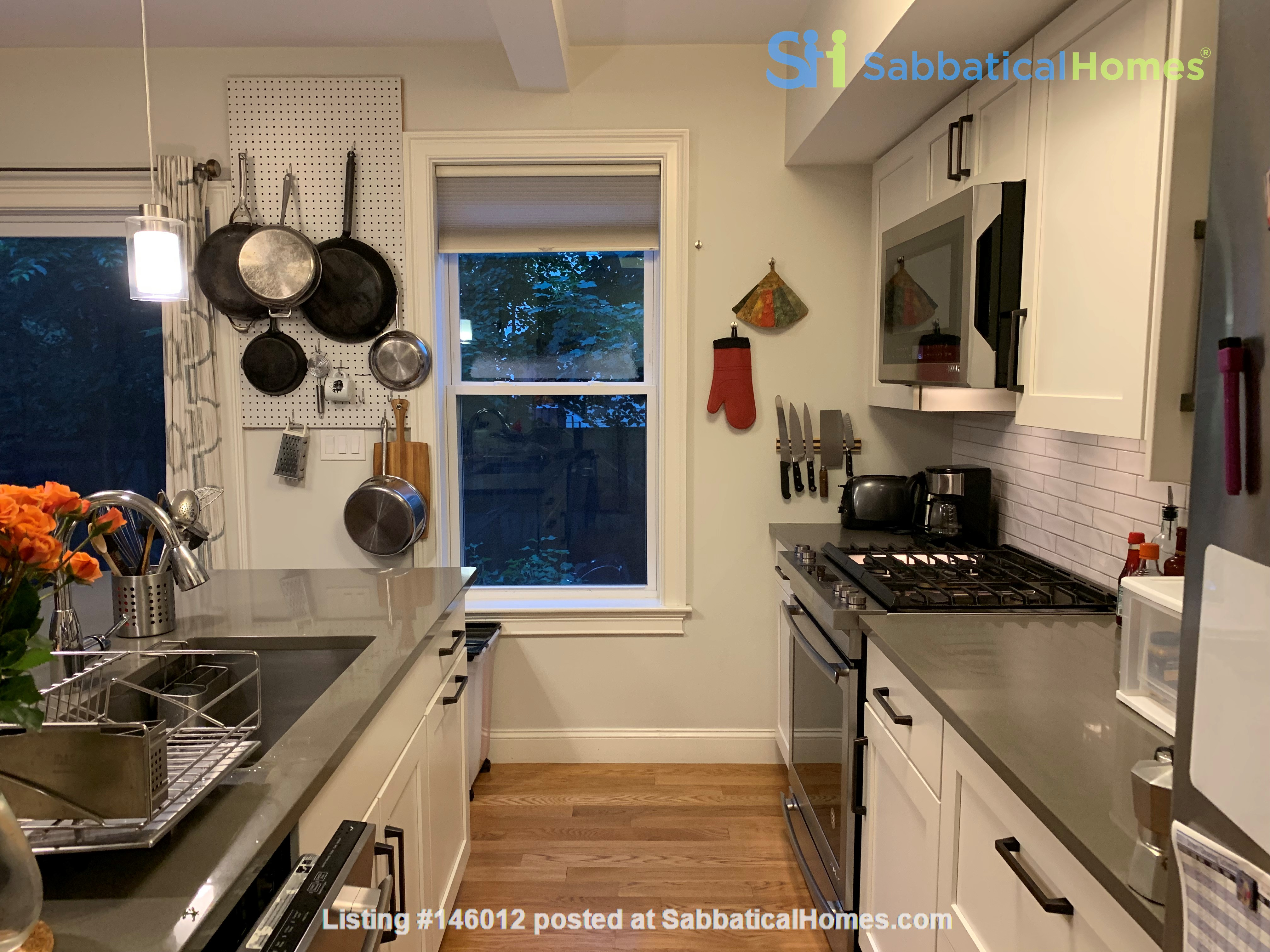 Lovely furnished 2-bedroom with private yard between Harvard and MIT Home Rental in Cambridge 3