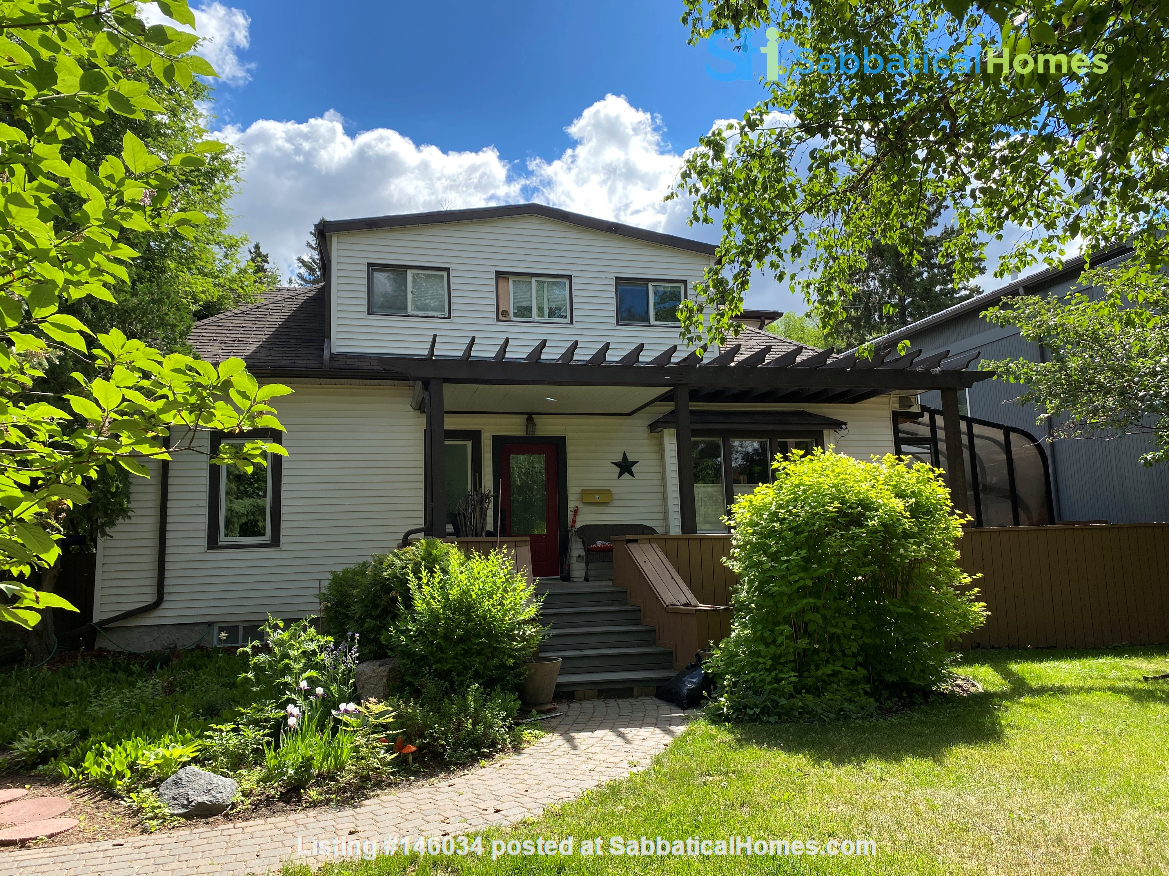 4 Bdrm Home in Belgravia, U of A area, across from River Valley Home Rental in Edmonton 0