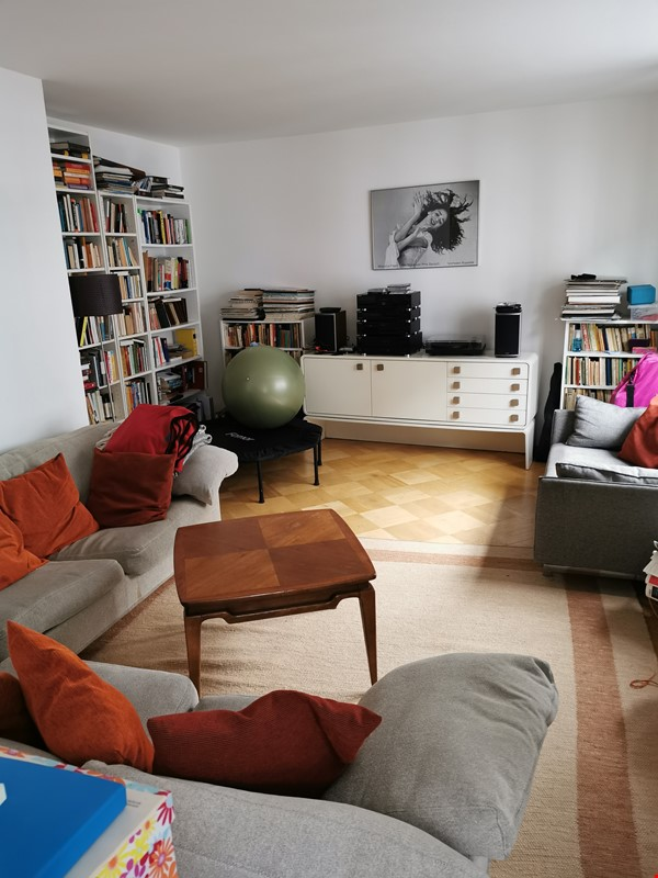 Spacious furnished home for a family in Bonn, near shops and public transit Home Rental in BN 2 - thumbnail
