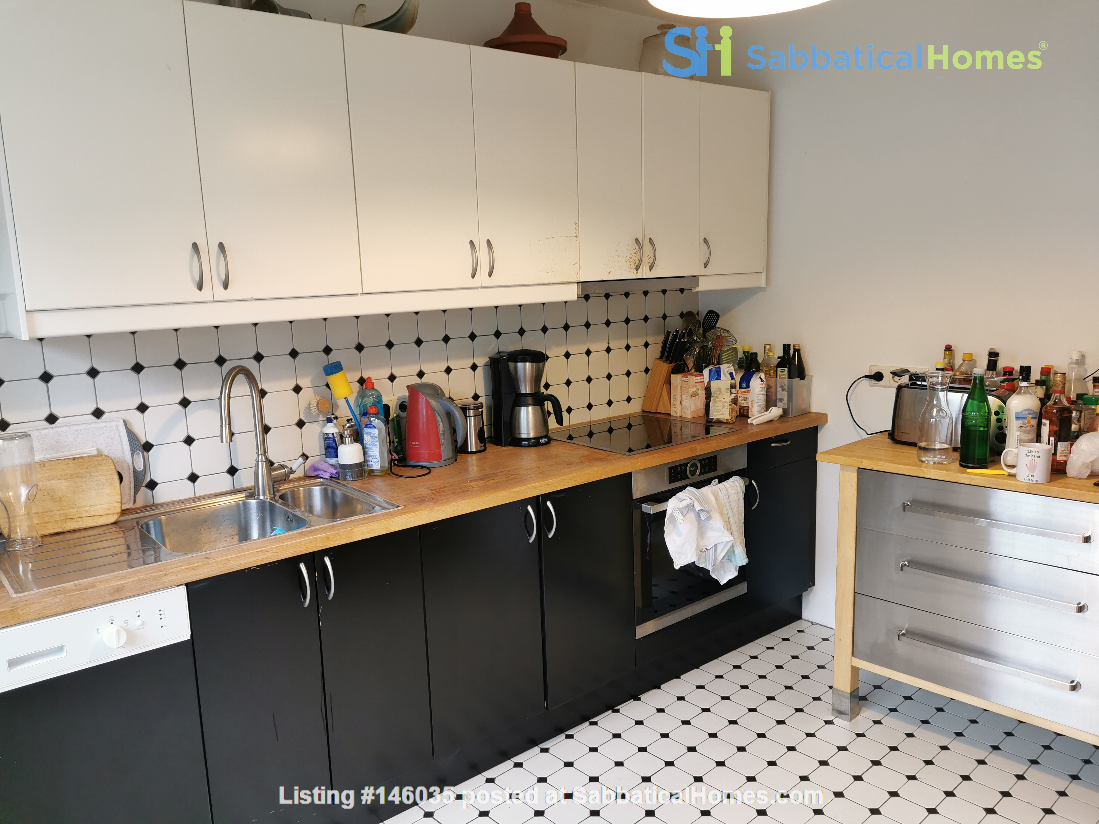 Spacious furnished home for a family in Bonn, near shops and public transit Home Rental in BN 1