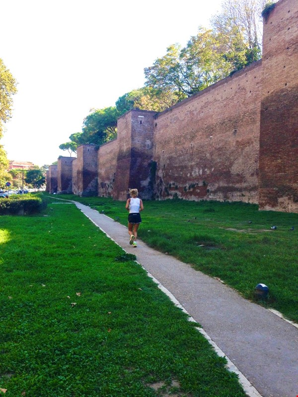 65 sqm in the heart of ancient Rome and city center Home Rental in Roma 9 - thumbnail