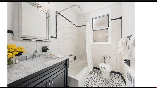 Large, sun-filled 2 bedroom 2 full-bath across from Columbia University Home Rental in New York 6 - thumbnail