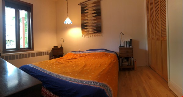 Large furnished apartment - perfect for a family Home Rental in Montréal 4 - thumbnail
