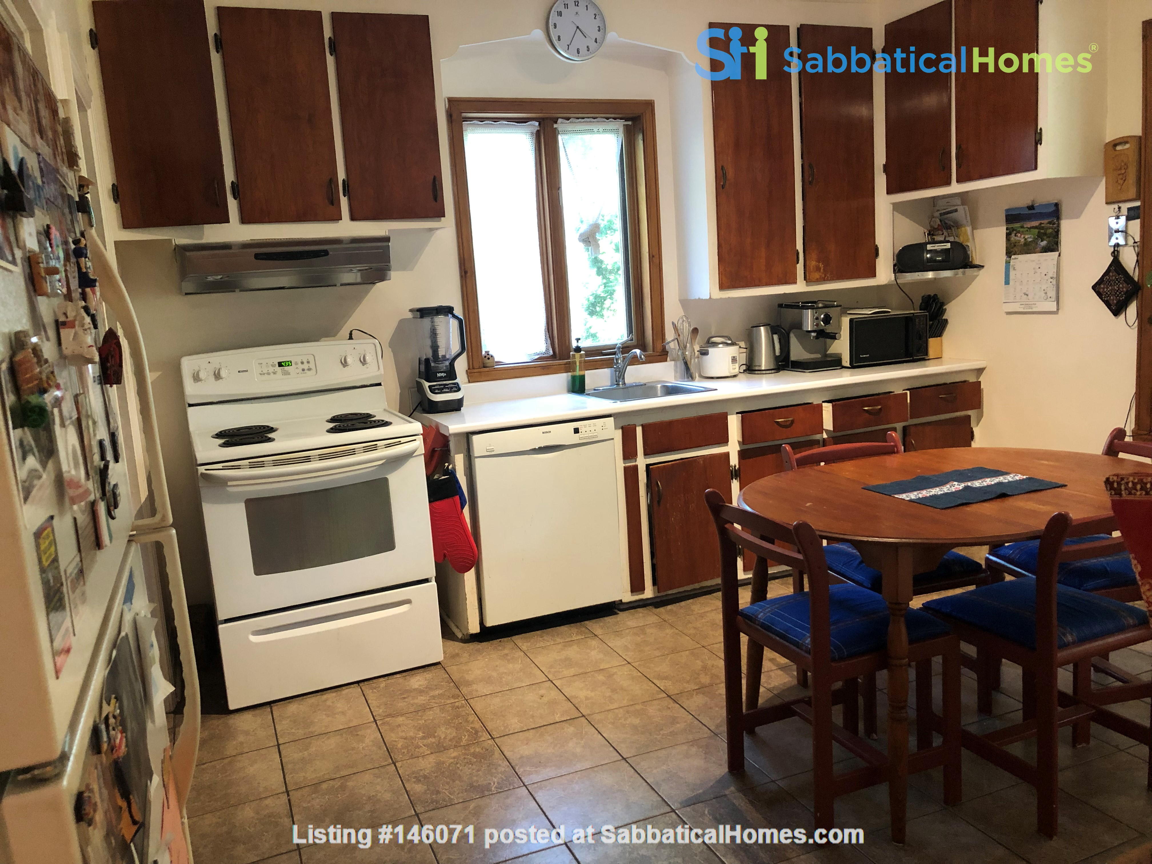 Large furnished apartment - perfect for a family Home Rental in Montréal 3