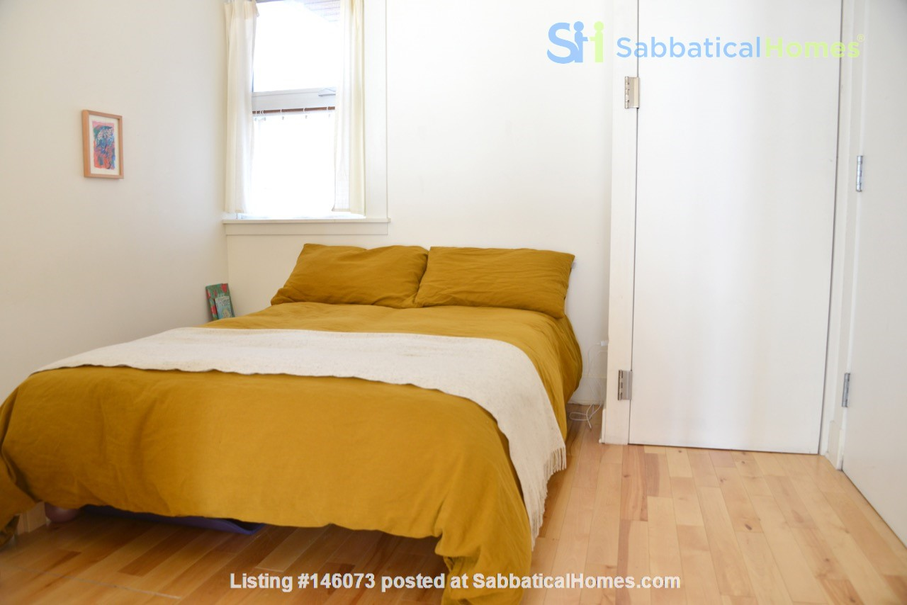 New Studio Apartment Little Italy Home Rental in Montréal 4