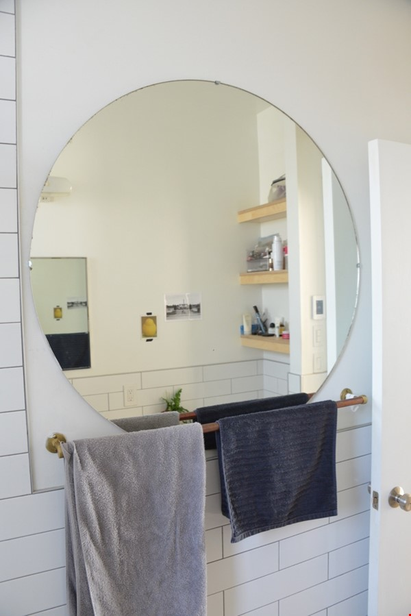 New Studio Apartment Little Italy Home Rental in Montréal 6 - thumbnail